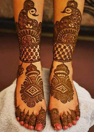 Peacock Mehandi For Legs