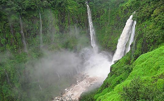 waterfalls in india16