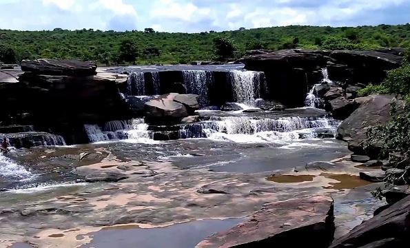 Manjar Kund Falls