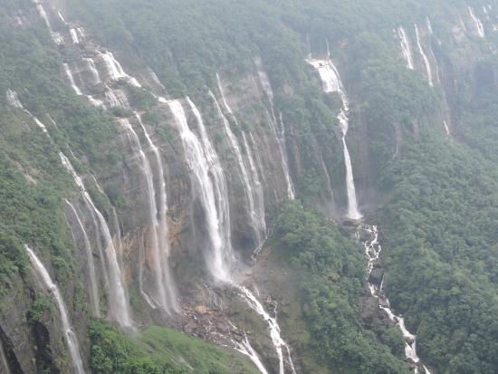 waterfalls in india3