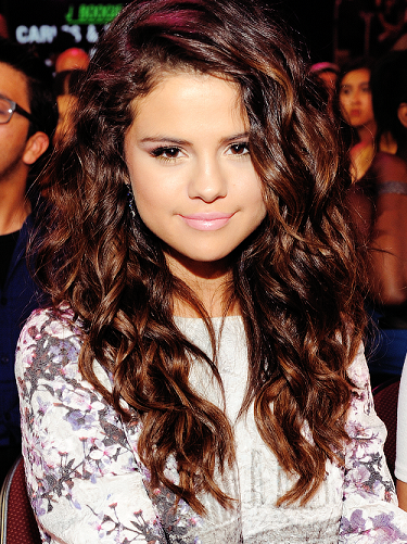 Selena Gomez S 9 Most Memorable Hairstyles Of All Time