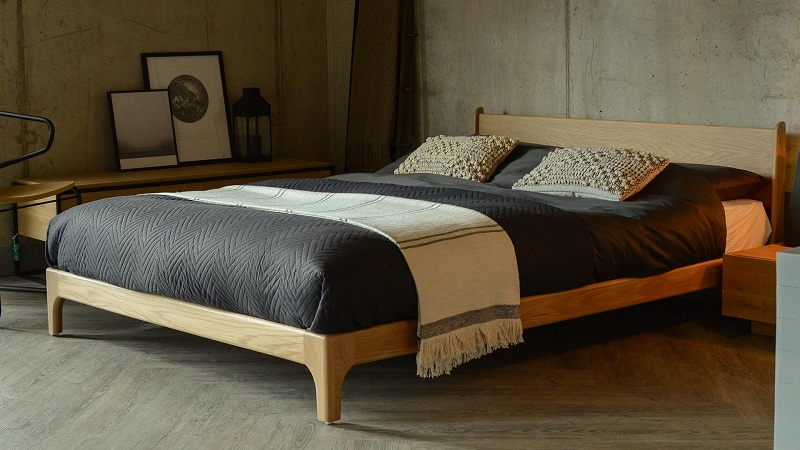 PIMLICO LOW HANDMADE BED