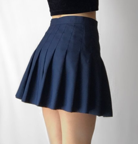 2a603a41357b Check out this school style navy blue short pleated skirt! This outfit is  sure to remind you of the good old school days when this style of skirt was  worn ...