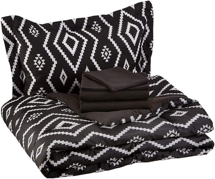 plain black bed sheet