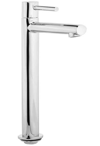 brass coloured taps