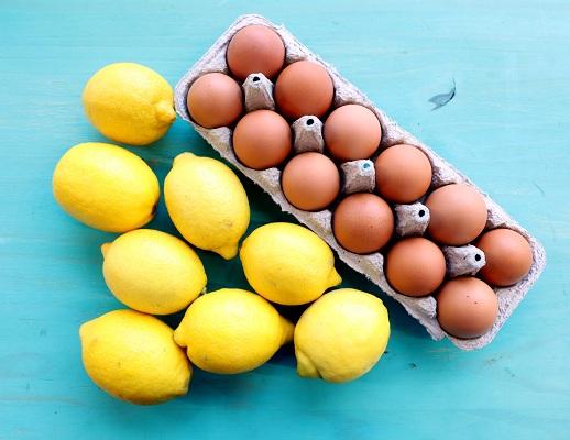 Eggs and Lemon to treat dandruff