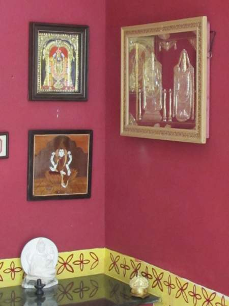 pooja room wall colour