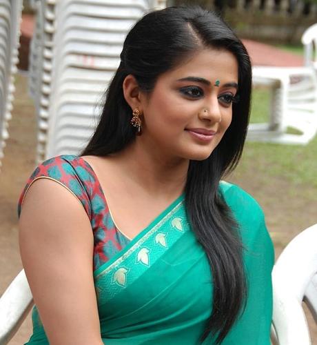 Straighten Hairstyle for Silk Saree