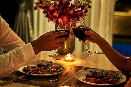 five year wedding anniversary ideas-dinner date
