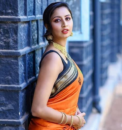 Saree Hairstyles 50 Stylish Hairstyles To Try On Sarees
