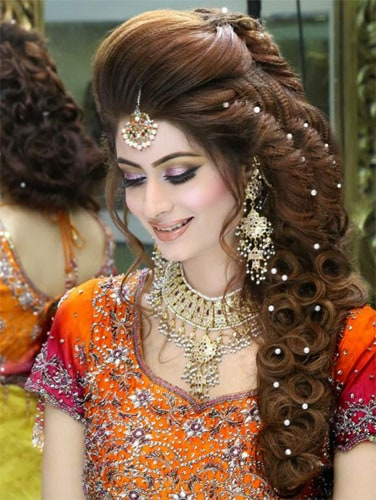 20 Latest And Best Hairstyles For Lehenga In 2020 Styles At Life