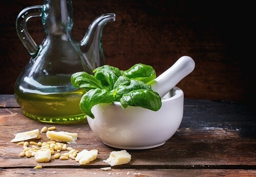 basil oil for migraine home remedy