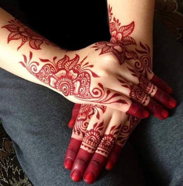 CUTE MEHANDI DESIGNS