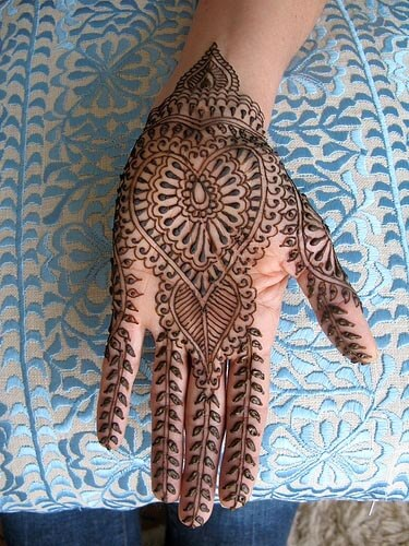 HEAVY MEHNDI DESIGN