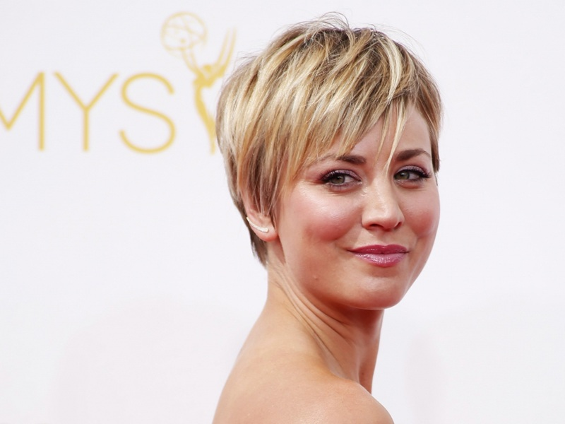 15 Perfect Matching Short Haircuts For Round Faces Women