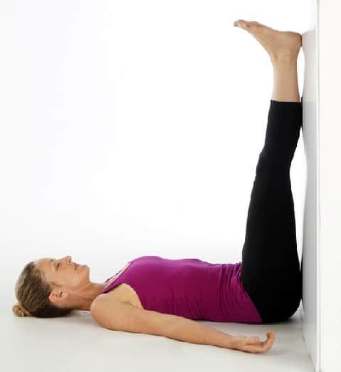 Duvardaki Bacaklar Fibromiyalji İçin Poz