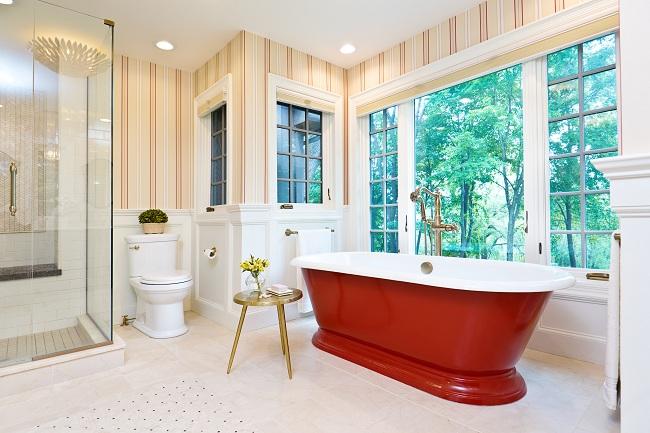 Contemporary Bathroom Design With Freestanding Iron Bathtub