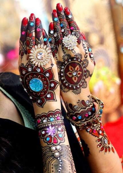 Multi-Coloured Mehendi Design