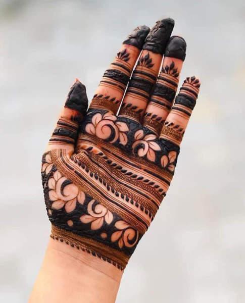 Black Henna Design