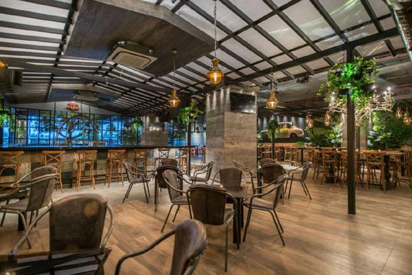Club Rouge Gachibowli Pub