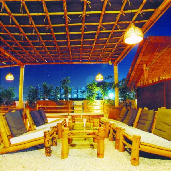 Coco's Bar And Grill Pub Banjara Hills
